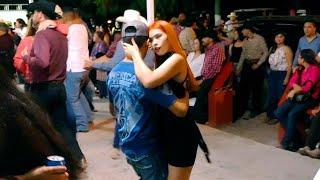 Gambar cover Vianey la hija de Erika bailando con Agua Azul