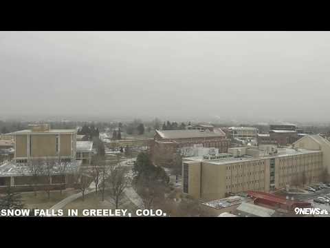 Snow falls at University of Northern Colorado