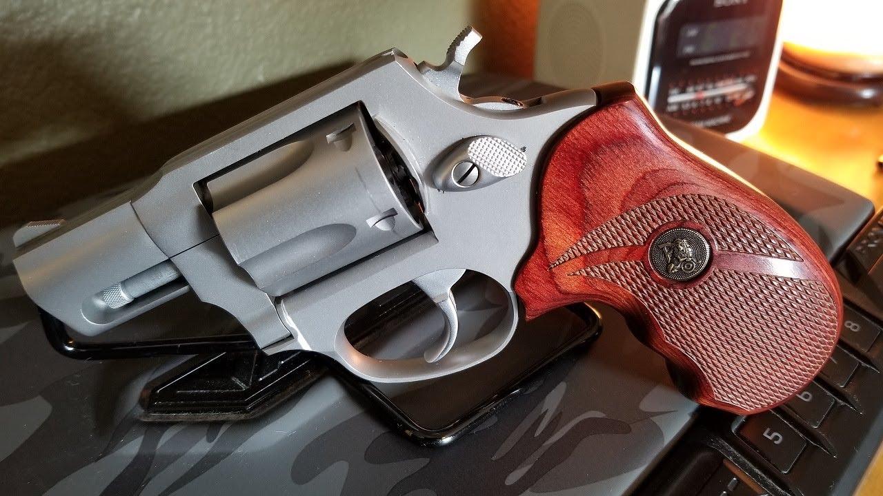 Pachmayr Renegade Grips - Taurus Model 85
