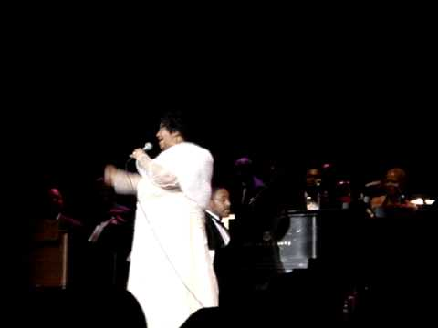 Aretha sings Mariah's Touch My Body in DC