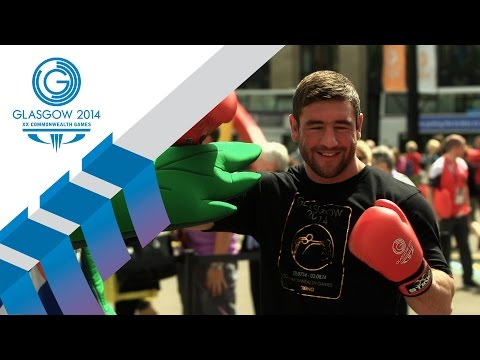 Alex Arthur tells boxing fans to 'Bring it on' at the ticket office | Glasgow 2014 TV
