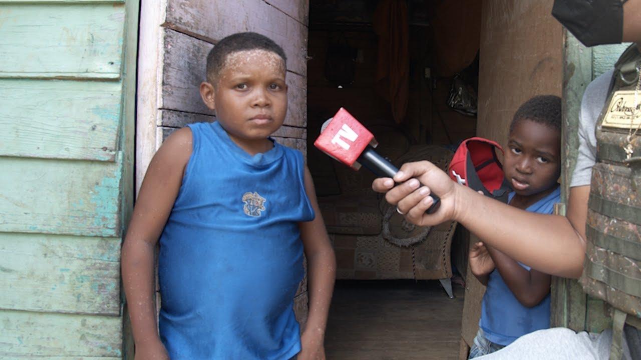 SU MADRE MURIO EN SUS BRAZOS | Visitamos al joven que tiene 18 años y parece un bebé
