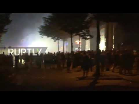 Germany: Anti-G20 clashes go on deep into the night in Hamburg