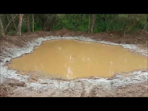Spreading Bentonite To Fix Leaking Pond Hostzin Com