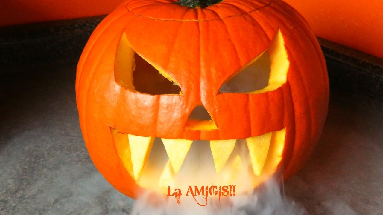 Como decorar para halloween una calabaza padr sima youtube - Como adornar una pared ...