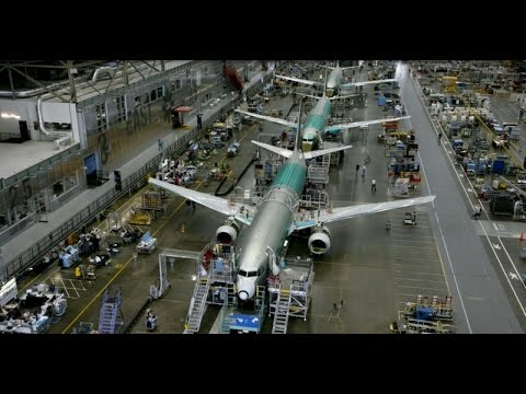 Assembly of a SunExpress-Boeing