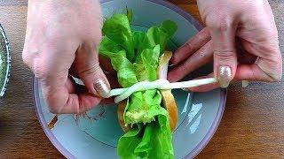 Необычная подача закуски. Закуска из колбасы, сыра и листьев салата. Домашние рецепты