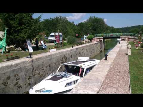 Vacances 2014 Canal de Bourgogne sur L † Viris