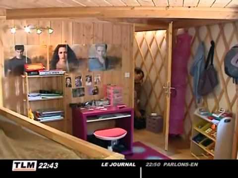 habiter dans une yourte contemporaine pr s de lyon youtube. Black Bedroom Furniture Sets. Home Design Ideas