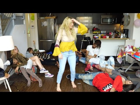 Thumbnail: That Time of the Month | Lele Pons