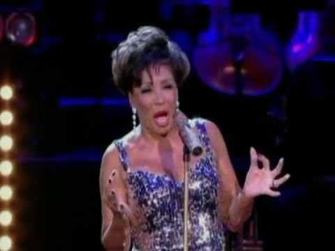 Shirley Bassey - Almost There (w/ Tom Baxter) (2009 Live at Electric Proms)