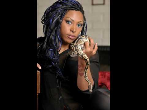 Types of Black Women: Alternative/Nerd/Gothic, Conscious/Woke, Feminist/Womanist