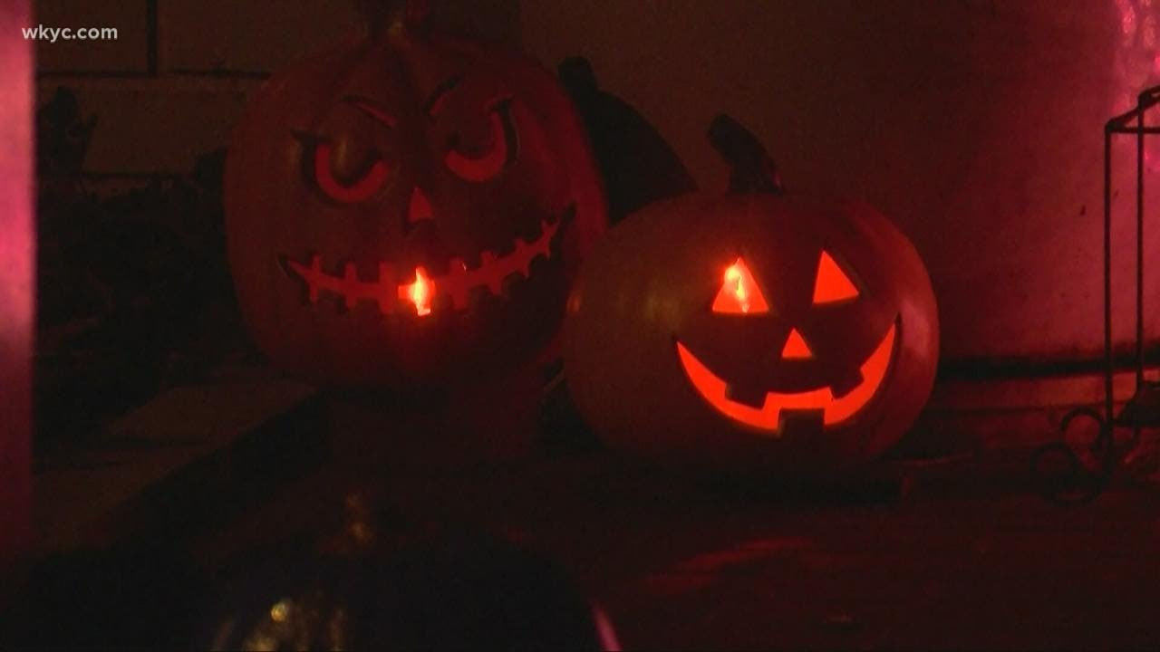 Halloween Covid-19 guidance : Trick-or-treating, costume masks ...