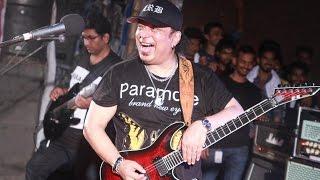 গিটারের যাদুকর আইয়ুব বাচ্চুর পাগলামি। । Guitar Magic By Ayub Bachchu। Jahangirnagar