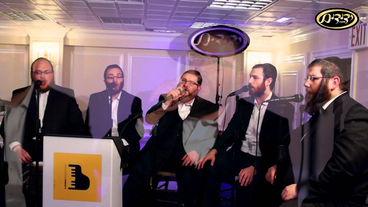 Shea Berko and Yedidim Choir singing 'Moshe Ve'Aharon' | יהושע בערקא ומקהלת ידידים - משה ואהרן