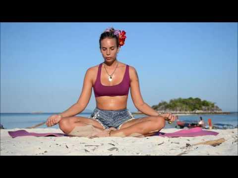 HAPPY SOUL YOGA Heartexpanding 45 min Yoga Class in Koh Lipe