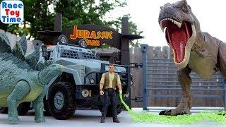 Jurassic World T-Rex Escapes - Fun Dino Toys Video