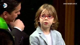 Beyaz Show - Poyraz Karayel'in çocuk oyuncusu Ataberk dizinin sezon finalini anlatıyordu!