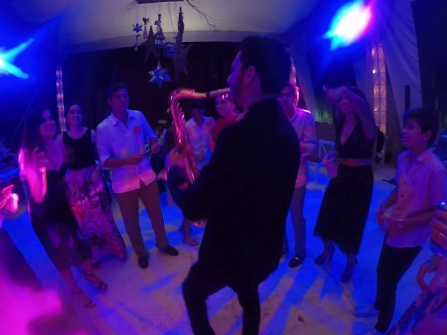 Felices los 4- Maluma y Sorry- Justin Bieber (Saxophone Live) Dave Llaguno