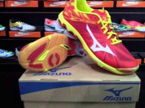 Sepatu Volly Mizuno Wave Lightning Z Red White V1GA 150062 - YouTube 8870c24817
