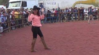 ¡¡¡TAMBIEN LAS MUJERES PUEDEN!!! MONTAR TOROS DE REPARO