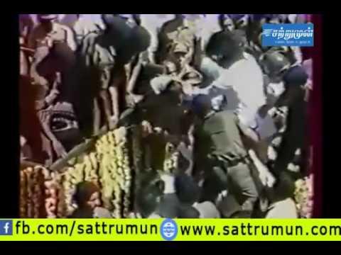 jayalalitha pushed away from mgr funeral car 1987