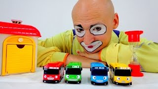 Funny Clown Videos: 4 cars - Where is a yellow bus?(Andrew the funny Clown does not like to be late for work and now he needs to wake up 4 cars. Oh no no no! Three cars were still sleeping, and the fourth - the ..., 2015-07-27T10:07:38.000Z)