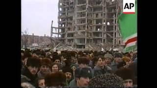 Chechnya/Russia - Maskhadov at memorial in Grozny