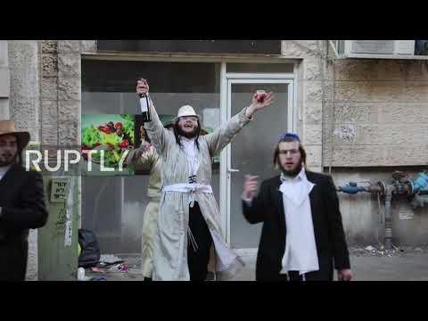 Israel: Hundreds Of Ultra-Orthodox Jews Flout COVID Restrix To Celebrate Purim On Jerusalem Streets