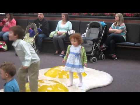 Play Area Woodland Mall Grand Rapids Michigan  9th April 2015