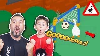 PAYTAK KAZ İLE KALEYE GOL ATMA GÖREVİ! | UNTITLED GOOSE GAME OYNUYORUZ