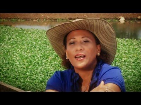 María Victoria y Pancho Amat - Mis raíces (OFFICIAL VIDEO)