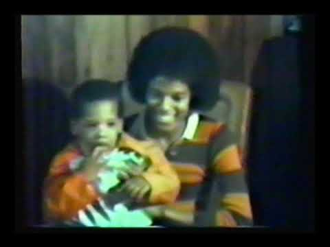 Rare 1970s studio footage of Michael Jackson with Jacksons & associates.