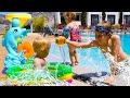 Игрушки для воды - Бьянка, Карл и Адриан в бассейне. Развивающие видео для малышей Дада игрушки