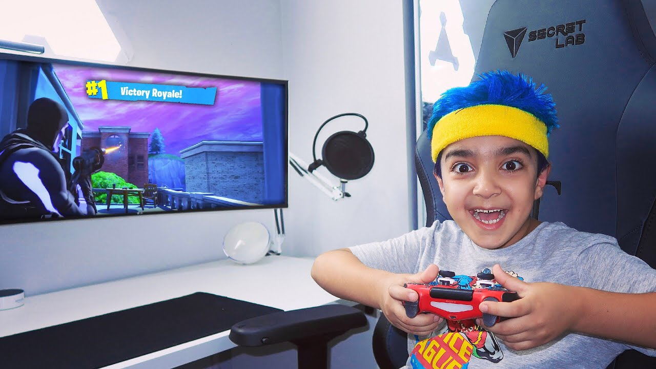 my-6-year-old-little-brother-plays-like-ninja-on-fortnite