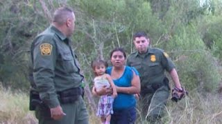 Mexico Border Crisis: Refugees Cross Rio Grande in Hopes of Being Caught