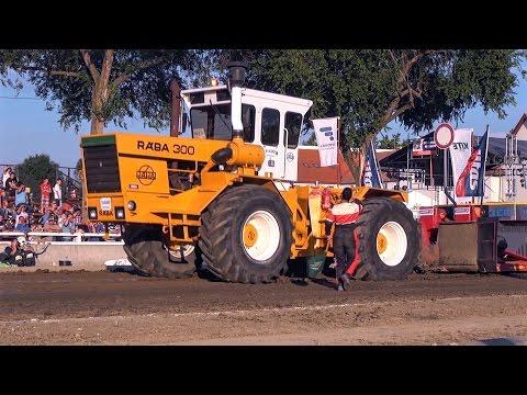 RÁBA 300 Vs. KIROVETS K701 Pulling   Mitas Tractor Pulling Hajdúböszörmény 2016