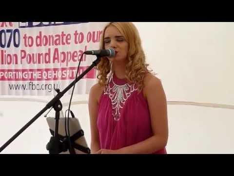 Acoustic Medley  performed by Lauren Alexandra