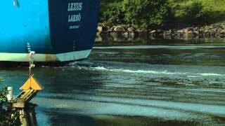 Ett stort fartyg i göta älv