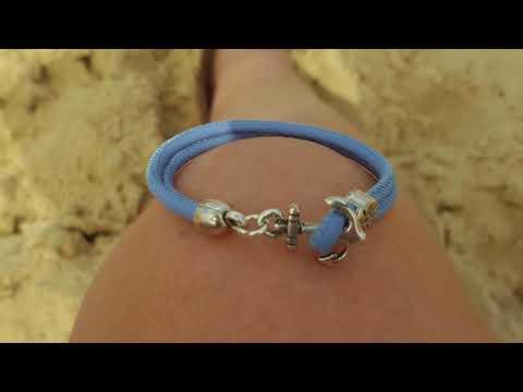 Bracelet cuir bleu et fermoir ancre de bateau cherche son navire pour prendre le large ! ;-)