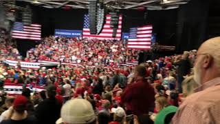 TRUMP STOPS RALLY TO HELP CITIZEN - Amazing Grace Breaks Out