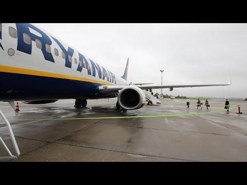 FLYING FOR 5€!! | TRIP REPORT | Ryanair Boeing 737 | Berlin Schönefeld - Cologne/Bonn FR185