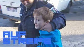 Mama ist eingesperrt! 8-Jähriger auf der Suche nach Hilfe  | Auf Streife | SAT.1 TV