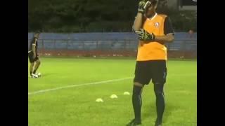 LUCU !! Goyang Manja Ala Kurnia Meiga AREMA FC