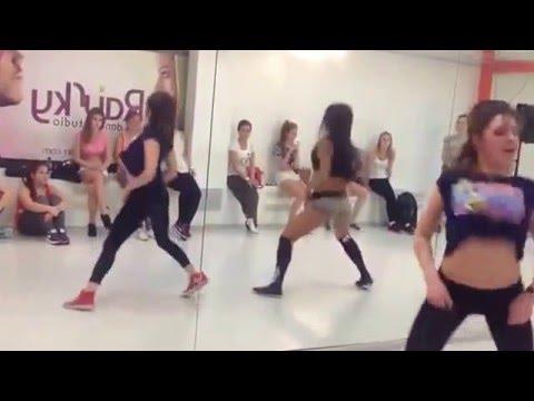 Lessi   Booty Dance   RaiSky Dance Studio 10 01 14 Twerk   480x360