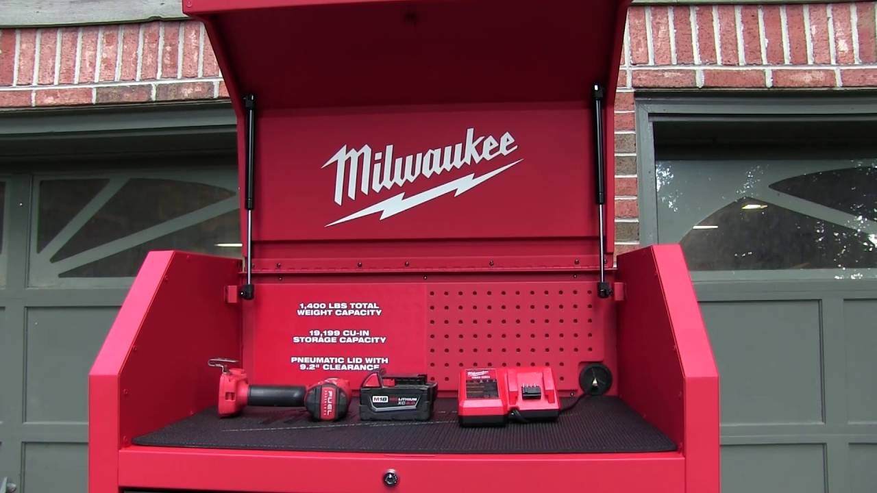 Milwaukee 30 Inch 12 Drawer Cabinet And Chest