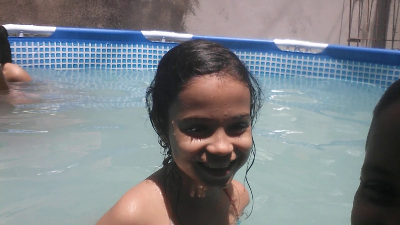 Um dia na piscina