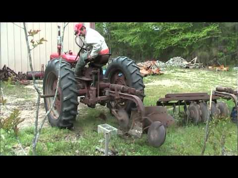 Fast Hitch And Go With A Farmall Super C Youtube