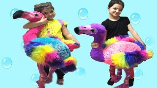 MASAL VE ELİF ÖYKÜ'NÜN RENKLİ DOĞUM GÜNÜ HEDİYELERİ - birthday presents colored toys unboxing
