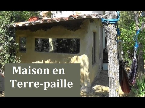Eco construction en terre paille youtube for Autoconstruction maison prix